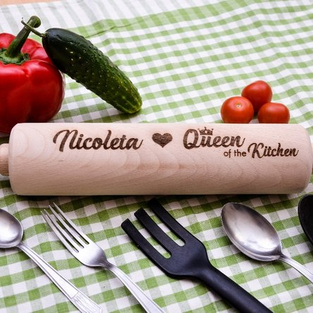Sucitor de lemn personalizat - Queen of the Kitchen
